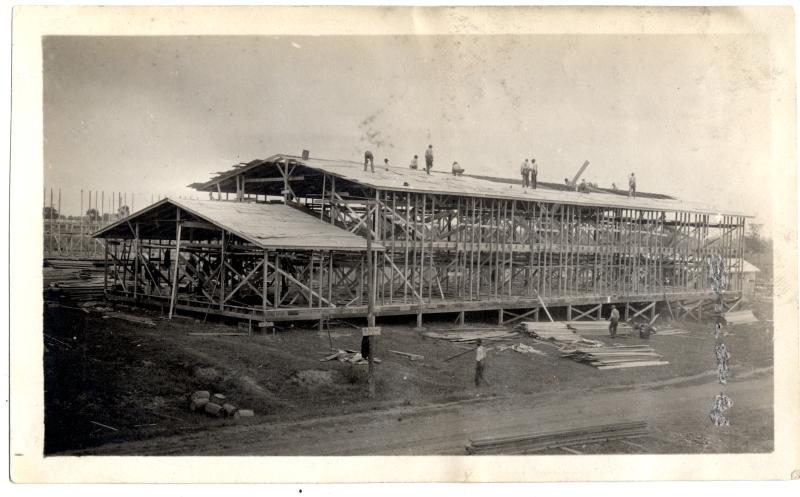Construction of barracks. [WW I-14]
